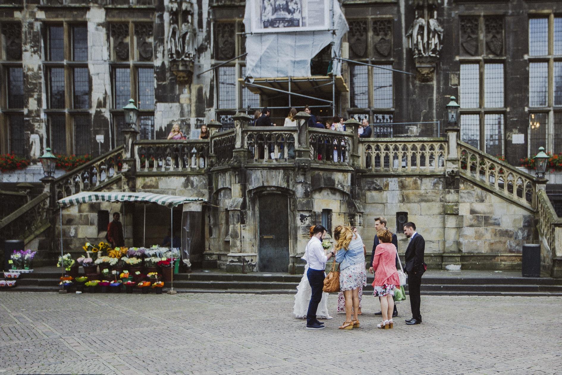 Standesamtliche Trauung Im Weissen Saal Im Rathaus In Aachen Mit